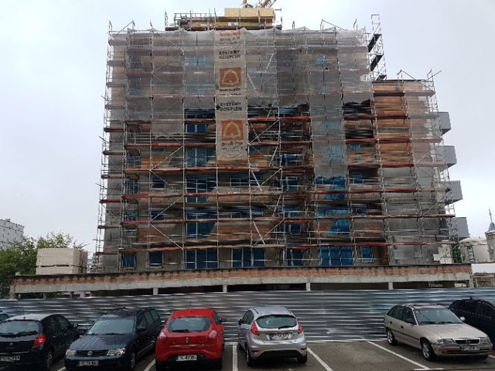 quadriga.pl-rbw-rusztowania-budynek-inwestycja-poznan.jpg